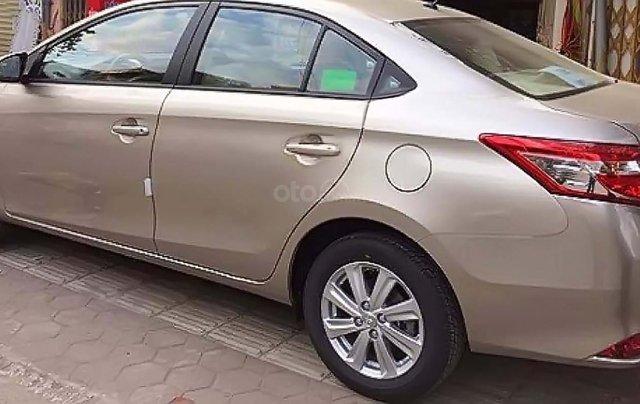 Cần bán lại xe Toyota Vios G 2014, màu vàng, chính chủ0