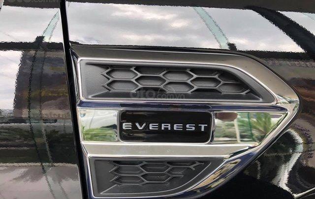 Giảm giá sốc - Rinh quà hấp dẫn khi mua xe Ford Everest Turbo Ambiente MT đời 2019, màu trắng4
