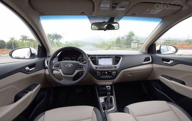 Bán Hyundai Accent 1.4 AT đặc biệt mới 2019, màu đen, xe sẵn đủ màu giao ngay3