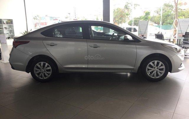 Bán Hyundai Accent 1.4 MT tiêu chuẩn mới 2019, đủ màu giao ngay1