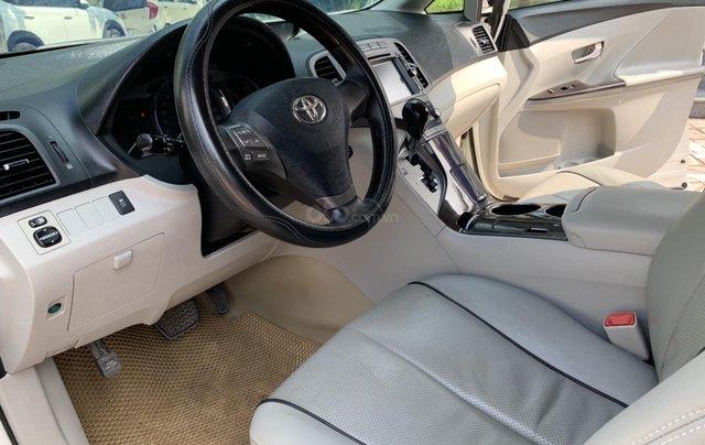 Cần bán Toyota Venza đời 2009, màu trắng, giá tốt5
