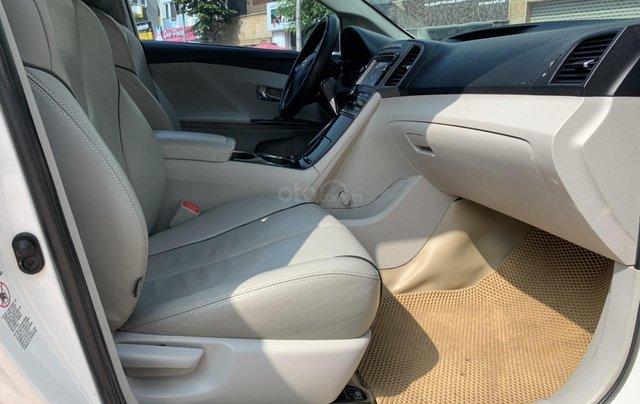 Cần bán Toyota Venza đời 2009, màu trắng, giá tốt10