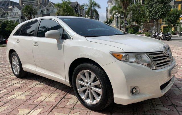 Cần bán Toyota Venza đời 2009, màu trắng, giá tốt0
