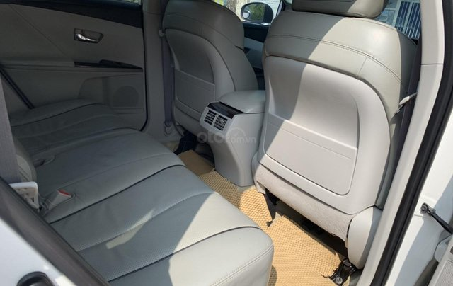 Cần bán Toyota Venza đời 2009, màu trắng, giá tốt9