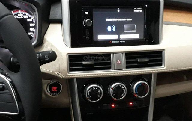 Cần bán Mitsubishi Xpander năm 2019, màu trắng nhập khẩu giá tốt4