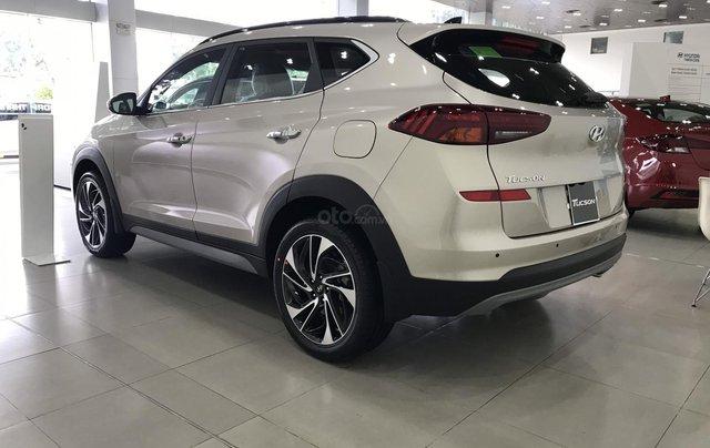 Hyundai Tucson 1.6 turbo sản xuất năm 2019, màu kem (be), giá chỉ 902 triệu1