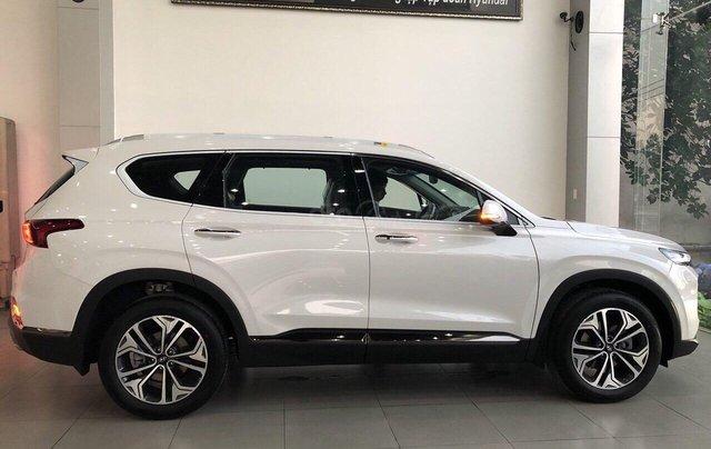 Hyundai Santa Fe 2019, giao ngay, giảm tiền mặt, tặng bộ phụ kiện giá trị khủng theo xe1