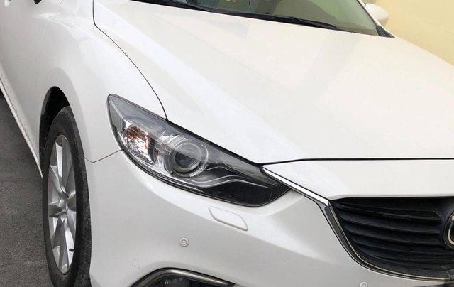 Bán xe Mazda 6 sản xuất 2015, màu trắng 2.0 AT0