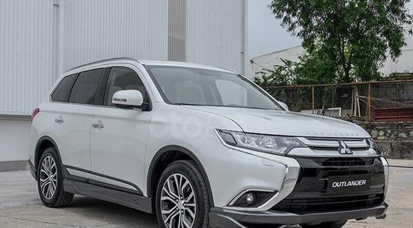 Mitsubishi Outlander CVT 2019, màu trắng, hỗ trợ vay 80% giá trị xe, ưu đãi giá tốt tháng 110
