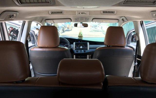 Bán xe Toyota Innova 2.0E màu đồng, sản xuất 201711