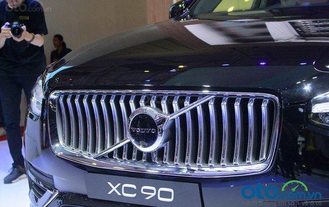 Volvo XC90 - Sự hội tụ tinh hoa Thụy Điển, liên hệ ngay để đặt cọc xe trong tháng 10 với nhiều ưu đãi5