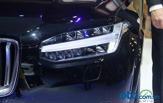Volvo XC90 - Sự hội tụ tinh hoa Thụy Điển, liên hệ ngay để đặt cọc xe trong tháng 10 với nhiều ưu đãi6