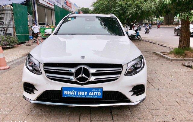Bán Mercedes Benz GLC300 màu trắng, sản xuất 20170