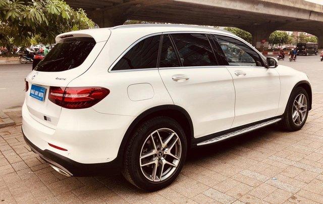 Bán Mercedes Benz GLC300 màu trắng, sản xuất 20172