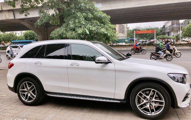 Bán Mercedes Benz GLC300 màu trắng, sản xuất 20174