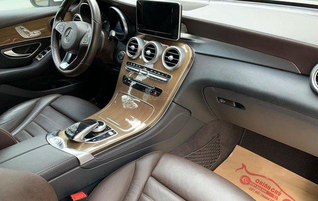 Bán Mercedes GLC 250 4Matic 2018 trắng nâu siêu lướt giá tốt3