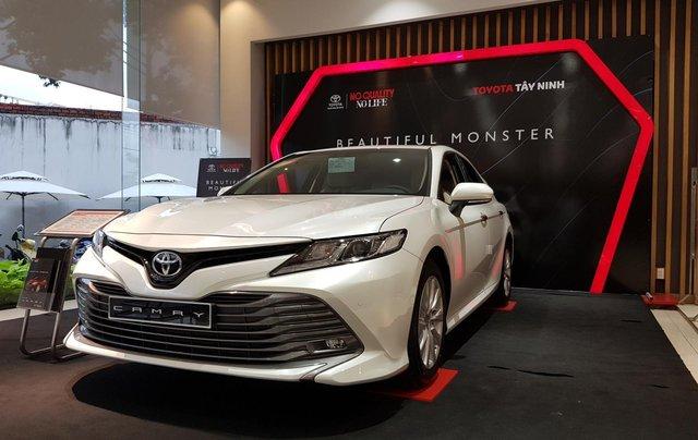Cần bán xe Toyota Camry sản xuất năm 2020, màu trắng5