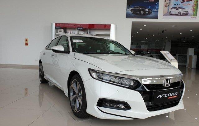 Honda Accord giá cực tốt dịp kho xả hàng, liên hệ ngay TPBH Mr. Trung 0