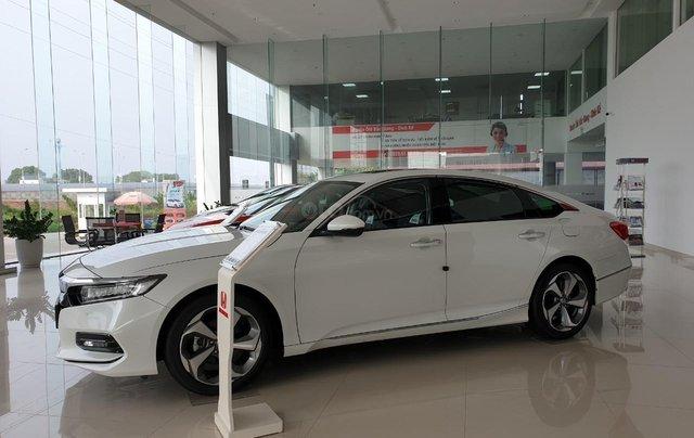Honda Accord giá cực tốt dịp kho xả hàng, liên hệ ngay TPBH Mr. Trung 1