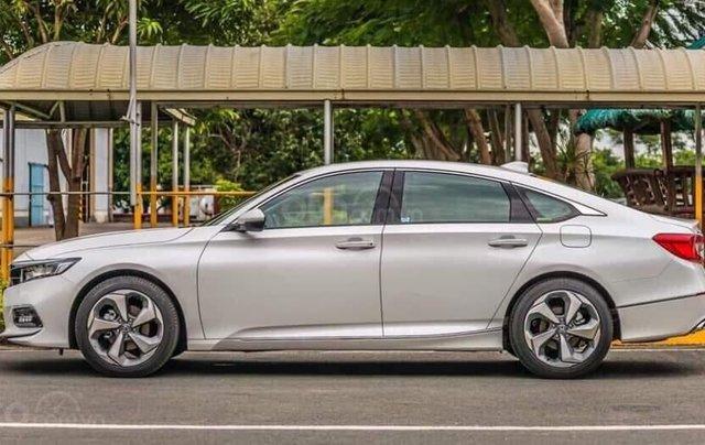Honda Accord giá cực tốt dịp kho xả hàng, liên hệ ngay TPBH Mr. Trung 2
