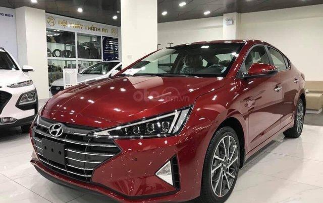 Cần bán xe Hyundai Elantra 2019 - giảm tiền mặt + phụ kiện khủng 60tr0