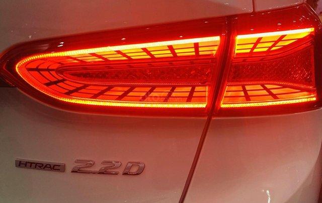 Cần bán nhanh chiếc xe Hyundai Santa Fe sản xuất năm 2019 - Giá cạnh tranh4