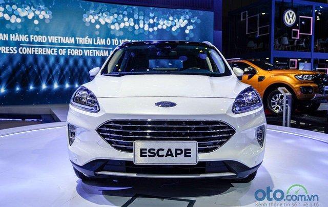 Ford Escape 2020 trưng bày tại VMS 2019, sắp ra mắt thị trường Việt0