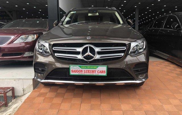 Cần bán Mercedes-Benz GLC 300 2017, siêu mới0
