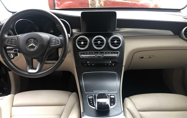 Cần bán Mercedes-Benz GLC 300 2017, siêu mới7