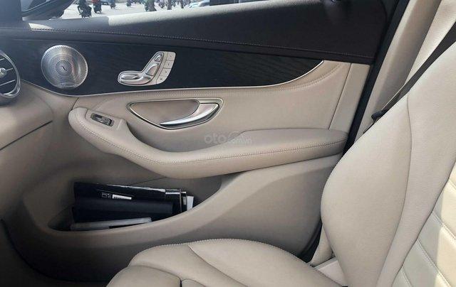 Cần bán Mercedes-Benz GLC 300 2017, siêu mới12