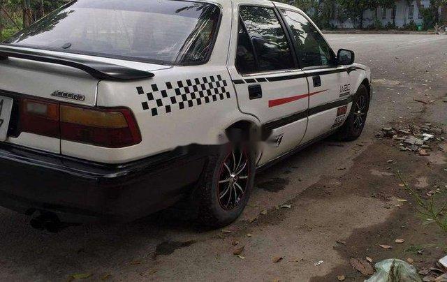 Gia đình bán Honda Accord năm sản xuất 1989, màu trắng, xe nhập5