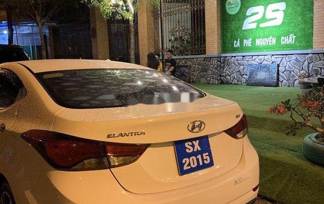 Cần bán Hyundai Elantra sản xuất 2015, số tự động, giá chỉ 470 triệu1