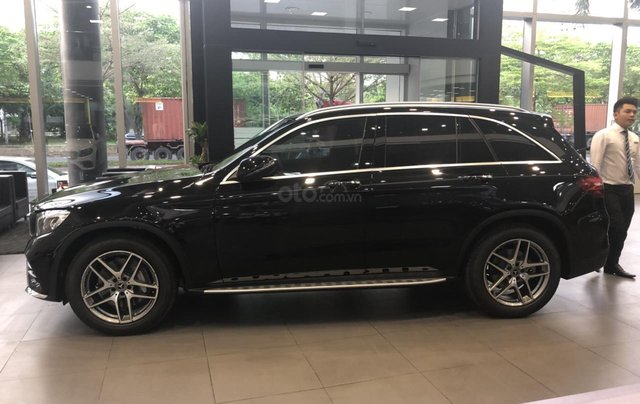 Mercedes GLC300 2019 đủ màu, xe giao ngay, tại Mercedes Phú Mỹ Hưng2