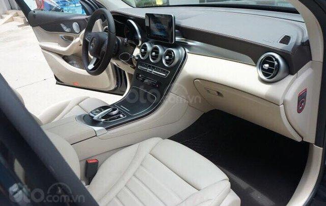 Mercedes GLC300 2019 đủ màu, xe giao ngay, tại Mercedes Phú Mỹ Hưng11
