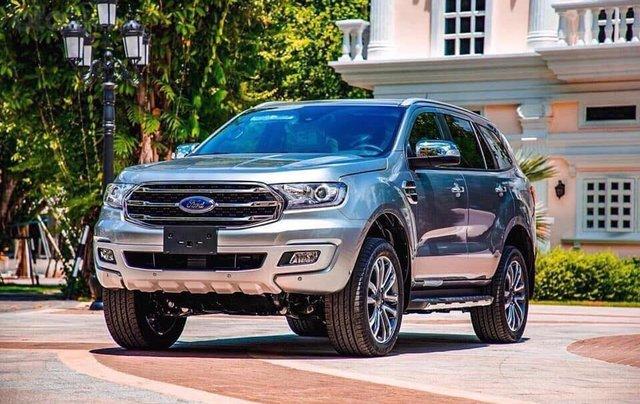 Ford Everest - Giá chỉ từ 939 triệu - trả trước 20% nhận xe ngay - lãi suất ưu đãi 0.69%/tháng0