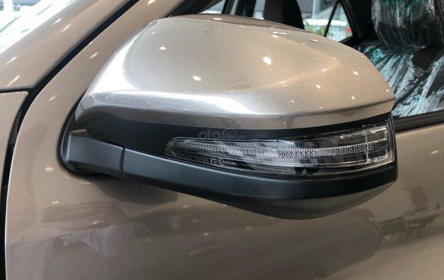 Bán ô tô Toyota Fortuner 2.4G Số sàn đời 2019, màu bạc, giá chỉ 933 triệu4