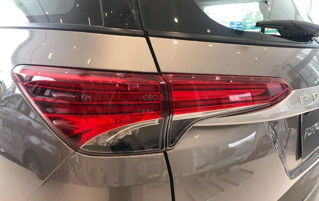 Bán ô tô Toyota Fortuner 2.4G Số sàn đời 2019, màu bạc, giá chỉ 933 triệu5