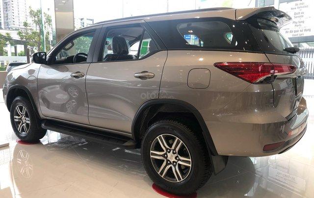 Bán ô tô Toyota Fortuner 2.4G Số sàn đời 2019, màu bạc, giá chỉ 933 triệu6