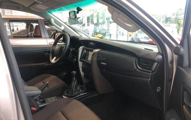 Bán ô tô Toyota Fortuner 2.4G Số sàn đời 2019, màu bạc, giá chỉ 933 triệu9