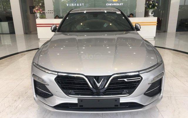 Bán xe VinFast LUX A2.0 full-Da Nappa Nâu 2019, màu bạc 0911234775 em Long0
