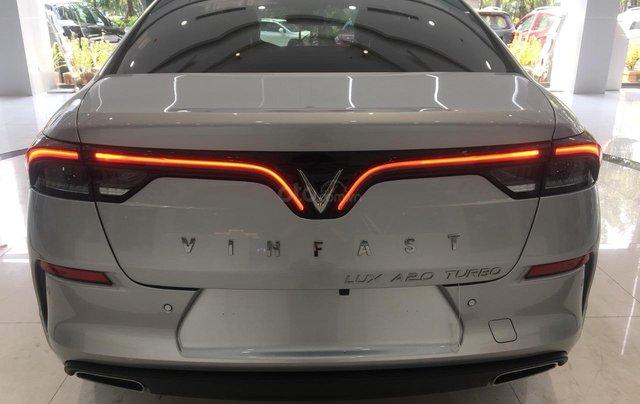 Bán xe VinFast LUX A2.0 full-Da Nappa Nâu 2019, màu bạc 0911234775 em Long2