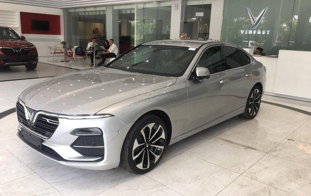 Bán xe VinFast LUX A2.0 full-Da Nappa Nâu 2019, màu bạc 0911234775 em Long8