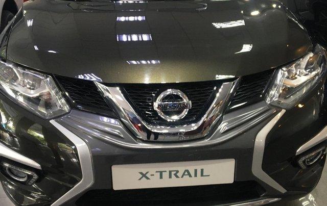 Nissan XTrail 2.5SV thời trang năng động, ưu đãi khuyến mãi đặc biệt- Liên hệ hotline: 09351970220