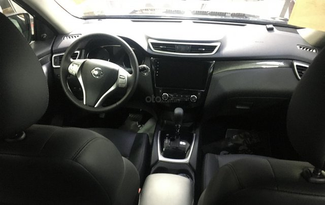 Nissan XTrail 2.5SV thời trang năng động, ưu đãi khuyến mãi đặc biệt- Liên hệ hotline: 09351970222