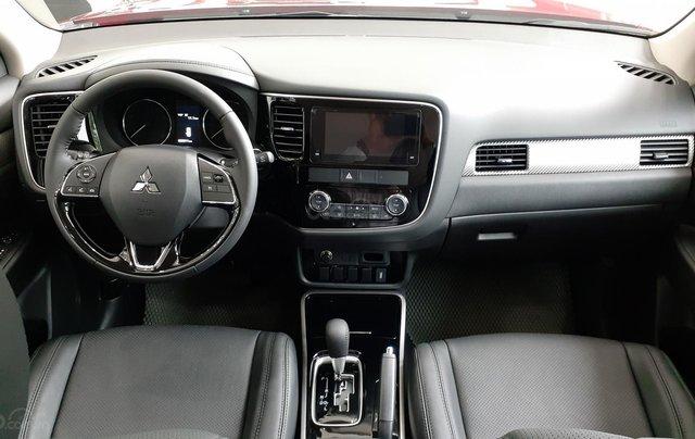 Mitsubishi Outlander CVT 2019, màu trắng, hỗ trợ vay 80% giá trị xe, ưu đãi giá tốt tháng 114
