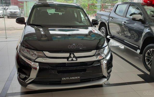 Mitsubishi Outlander CVT 2019, màu trắng, hỗ trợ vay 80% giá trị xe, ưu đãi giá tốt tháng 117