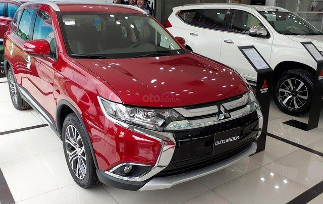 Mitsubishi Outlander CVT 2019, màu trắng, hỗ trợ vay 80% giá trị xe, ưu đãi giá tốt tháng 1110