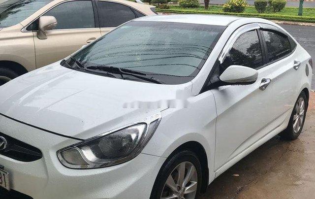 Bán xe Hyundai Accent năm sản xuất 2012, màu trắng, nhập khẩu chính hãng