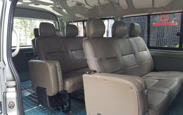 Xe Toyota Hiace năm sản xuất 2008 chính chủ3