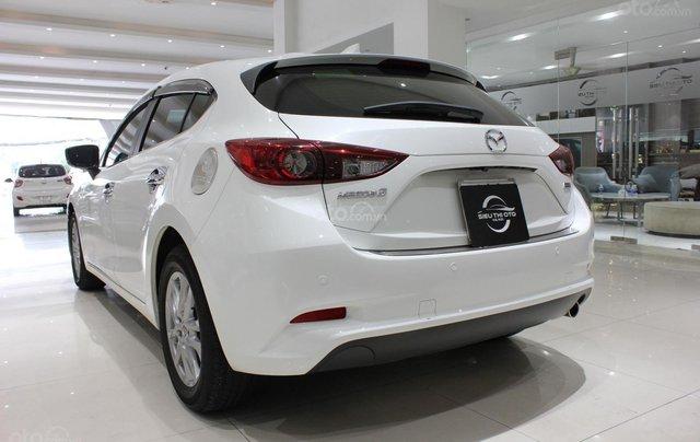 Chính chủ cần bán Mazda 3 2017 bản hatchback màu trắng, số tự động, full option6
